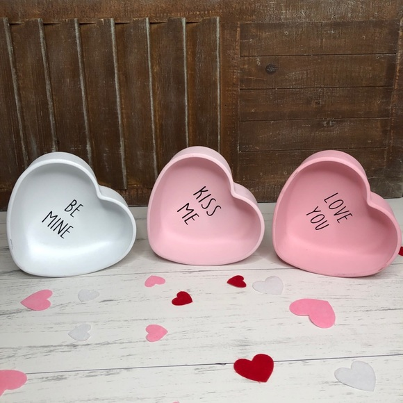 3 Pieces Glass Convention Hearts